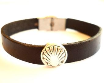Camino de Santiago Pilgrim Scallop Shell Bracelet
