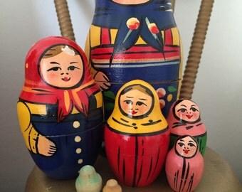 Nesting Dolls, Vintage Nesting Dolls, Russian Dolls, Matryoshka Dolls, Stacking Dolls, Matreshka Dolls. Set of 8.