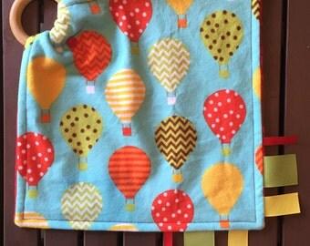 Hot air balloon teething blanket, hot air balloon blanket, sensory blanket, hot air balloon lovey, security tag blanket, baby shower gift