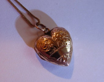 Antique 9ct gold heart shaped locket
