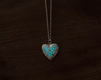 Glow in the dark necklaces with heart pendant glowing-Glowing Necklace-Heart Necklace-