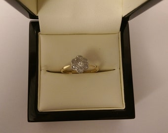 18ct Yellow Gold .09pts Diamond Ring Size Q