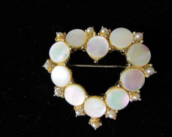 Vintage Hearted Shaped Pin / Brooch