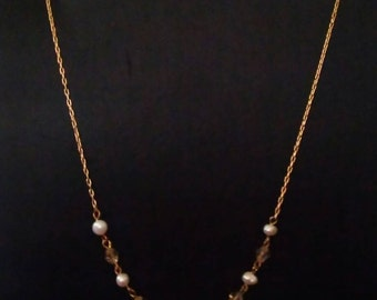 chain and freshwater pearls necklace