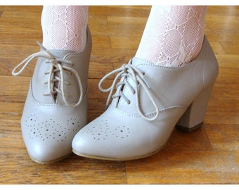 Lovely Vintage Inspired Grey Heel Lace-up Oxfords Shoes / US 7 EU 37 Repro