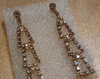Vintage Clear Rhinestone Dangling Drop Gold Tone Pierced Earrings