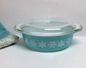 Vintage Pyrex Snowflake Casserole Turquoise 043