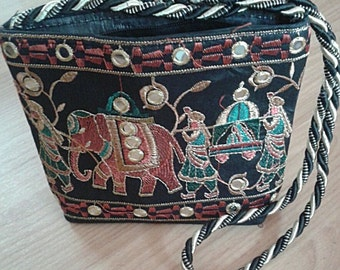 Handmade Multiple color handbag/purse with zipper (Thai Elephant)