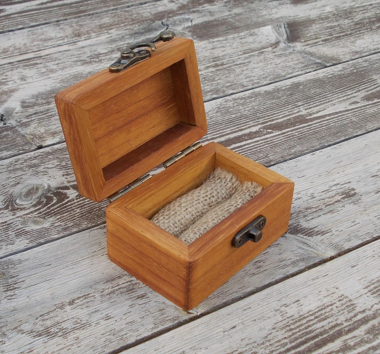 bague en bois bo te anneau en bois bo te mariage bague de. Black Bedroom Furniture Sets. Home Design Ideas