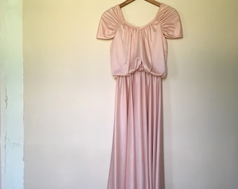 Vintage Pale Pink Flowy Ballerina Dress w/ Bloused Top, Back Zip, & Cap Sleeves