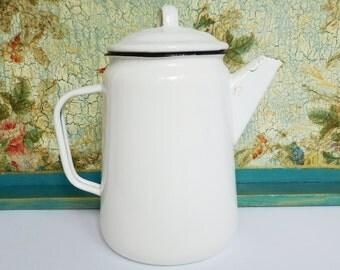 Vintage Enamel Kettle teapot cafetiere coffee pot  1650ml ( 55 fl.oz )