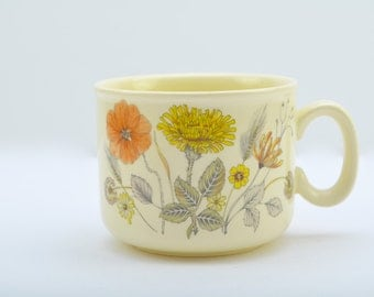 J & G Meakin Hedgerow Trend teacup from the early 1980s