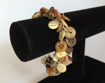 Neutral Button Shaggy Loop Chaimmaille bracelet
