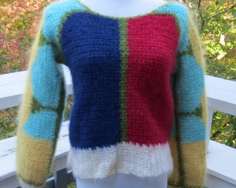 Vintage Very cute colorful sweater Red, Yellow, Blue, White and Green