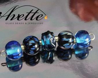 Blue Wonder.  5 glass Lampwork beads.  Ocean blue turquoise sea themed surf beach holiday iridesent cruise Avetteglass metallic silver glass