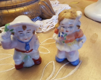 """Vintage JAPAN colorful """"off to market"""" Salt & Pepper Shakers - cute figurines for country kitchen or perfect for pyrex colors"""
