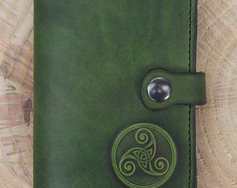 "Leather wallet , celtic design ""triskell number 3"", colour ""vert anis"" (16 colours avaible)"