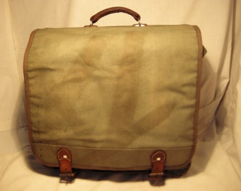 Vintage 1970's Army Officer Green Canvas Travel Bag - Backpack