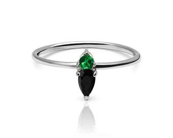 silver ring - minimal ring - Simple silver ring - Minimal jewellery - green ring - black zircon