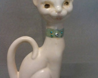 Vintage White Cat with Green Rhinestone Look Necklace Cat Figurine