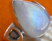 moonstone ring,moonstone silver ring,silver ring,rainbow ring,stone ring,925 sterling silver ring,moon stone ring,heart ring,Size 4,5,6,7,8