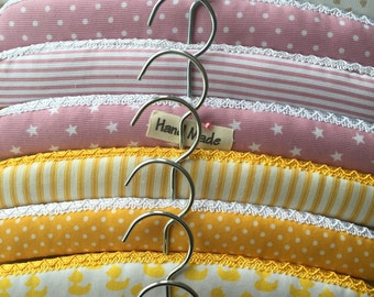 Padded hangers for children and babies. Sets of two, three and four.