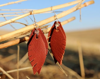 Simple Feather Earrings - Leather