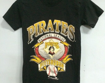 Vintage 1991 PIRATES PITTSBURGH National League Baseball T Shirt Stedman Polyester Cotton 50/50 Adult Small Size