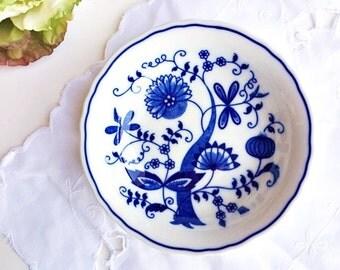"""Vintage Vienna Woods """"Blue Onion"""" Fruit Bowl 5"""": Blue and White Bowl, Blue Vintage Bowl, Blue Transferware Bowl, Blue Onion Berry Bowl"""