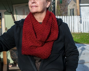 Red infinity scarf, crochet