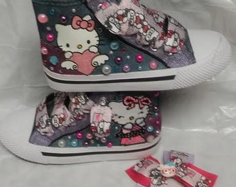 Hello Kitty shoe with the matching hairbow