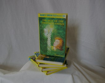 Nancy Drew Mysteries Book 9: The Sign Of The Twisted Candles