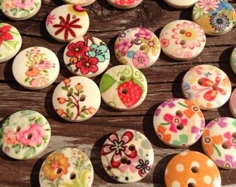 Wooden buttons, buttons, pretty buttons, multi-coloured buttons, 2 hole buttons, scrapbooking buttons, lot buttons, boutons, scrapbook