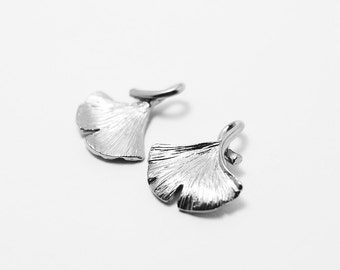 P0219/Anti-Tarnished Matte Rhodium Plating Over Brass/Ginkgo Leaf Pendant/14.2 x 16.5mm/2pcs