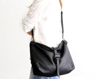 Leather shoulder bag / SHOULDER BAG made of italian leather  color black. Mary leather shoulder bag