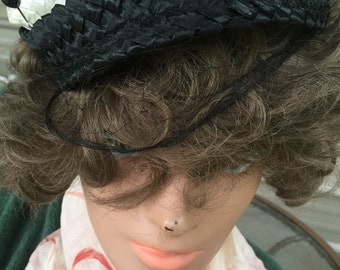 1950s black and white tiny hat with hatpin and veil