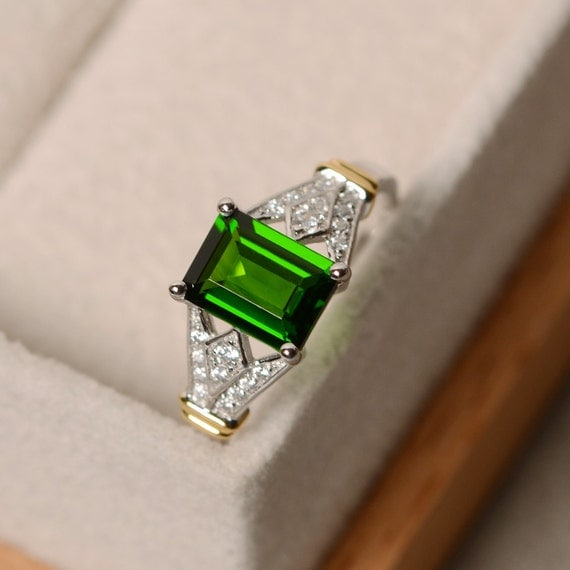 diopside ring yellow gold emerald cut gemstone chrome