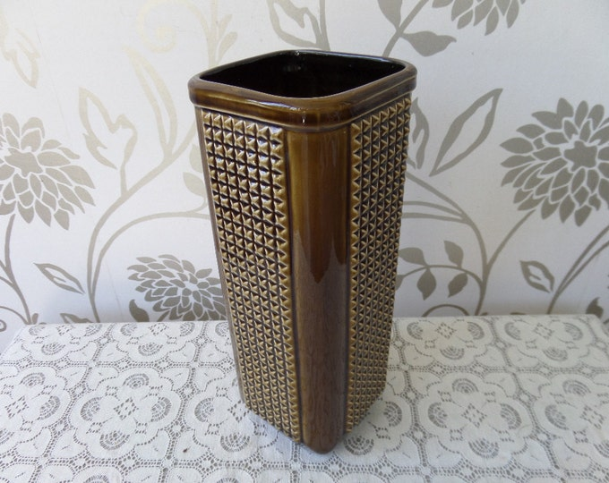 "Olive Green Tall Vase, Manhattan by George Matthews for Sylvac, Mid Century 1960s, Glossy Geometric Shape, Criss Cross Pattern, 10.25"" x 4"""