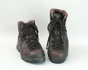 Mens Leather Hiking Boots Size 7.5 / Womens Size 9