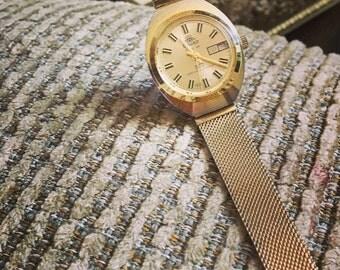 Classy Rouan Electra Gold Windup 360 Watch