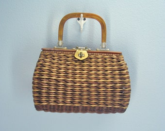 Vintage Wicker Purse / Lucite Handle / Wicker Handbag