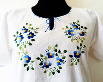 Hungarian Embroidered Blouse, Embroidered Blouse, Hungarian Embroidery, Hungarian blouse, Hand Sewing Blouse, Peasant Blouse, Size S/M