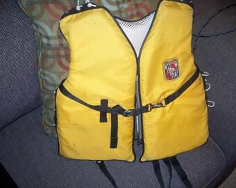 Stearns child medium vest