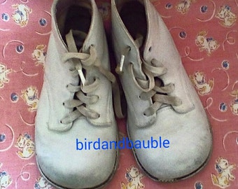 Vintage white leather baby/toddler shoes