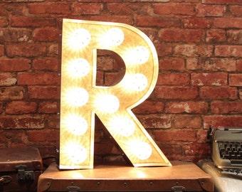 Letter Light R
