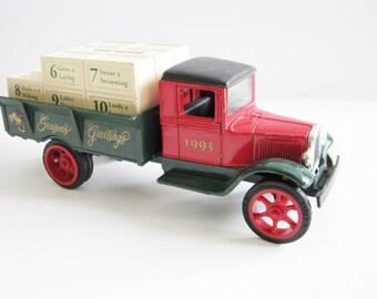 Diecast Ertl 1931 Hawkeye Toy Collectibles