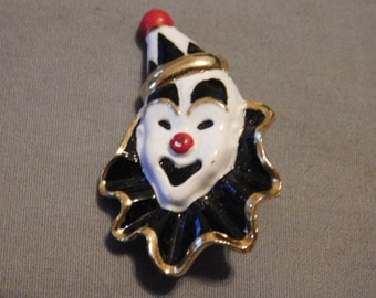Vintage clown pin/brooch