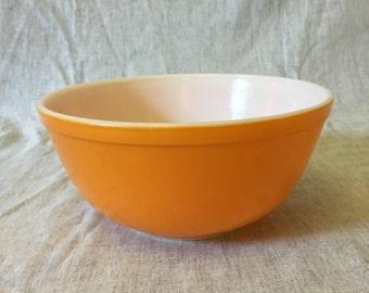 Vintage Orange Pyrex 2.5 Quart Mixing Bowl