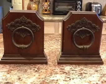 Vintage Antique Classic Style Wooden Book Ends with Iron Pull Design