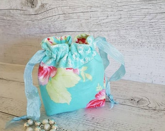 Small drawstring gift bag.